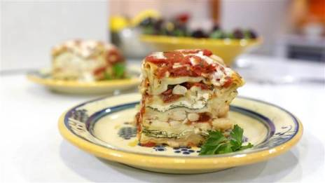 food-wendy-bazilian-slow-cooker-lasagna-today-20160121-tease_fa24293c7902e67b502bfc411e820907.today-inline-large.jpg