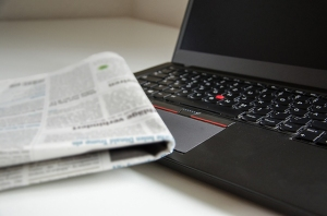newspaper_laptop